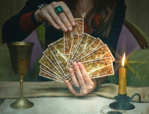 A Beginners Guide on How to Read Tarot Cards